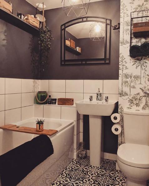 laura_bathroom 1